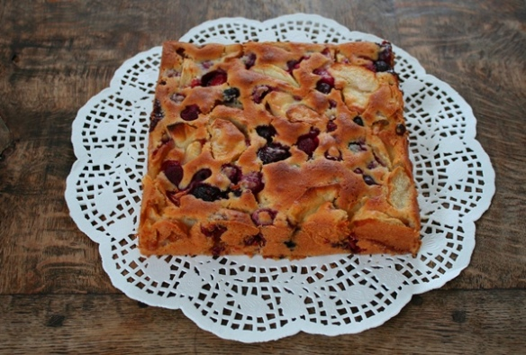 Plaatkoek met appel en rood fruit 1