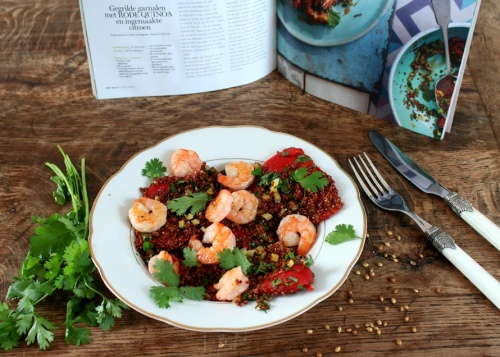Quinoa met gegrilde garnalen