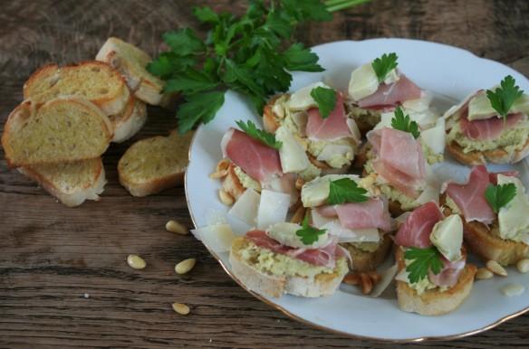 crostini's salade bistecca hangop rabarbercompote 019 (2)