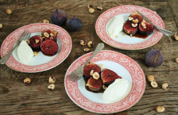 geroosterde vijgen met granaatappel-melasse, mascapone en hazelnoot 156 (2)